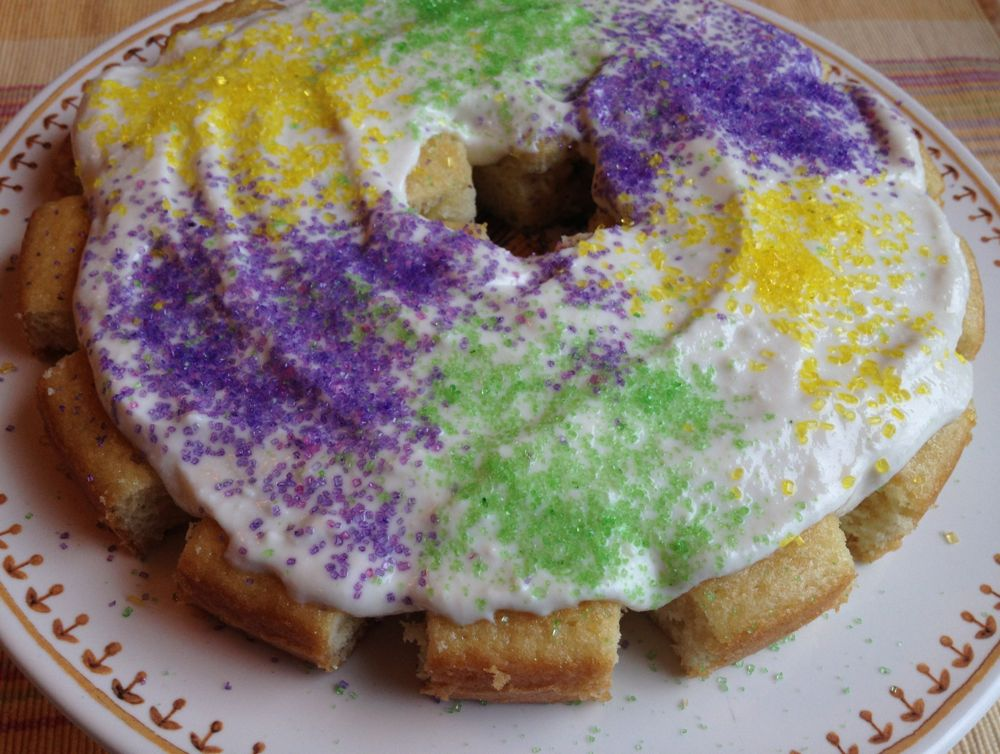 Easy King Cake - The Patchy Lawn
