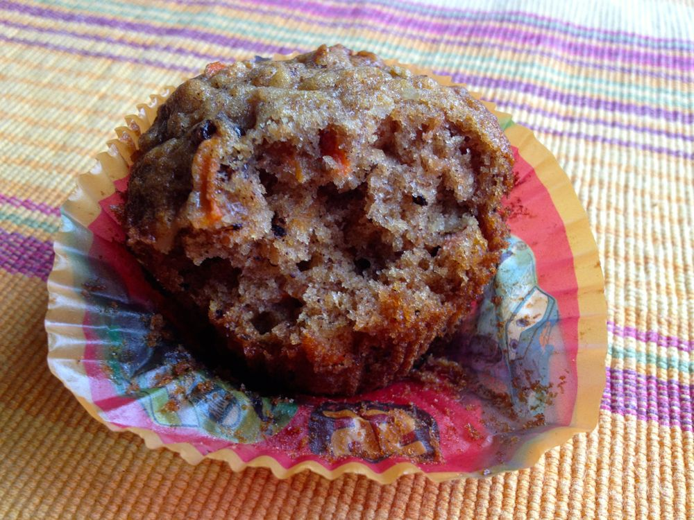 eat carrot muffin