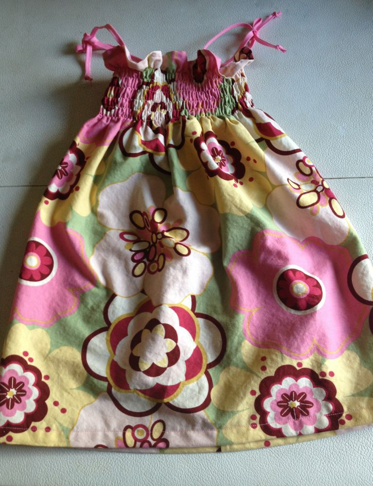 Smocked dress size 3T