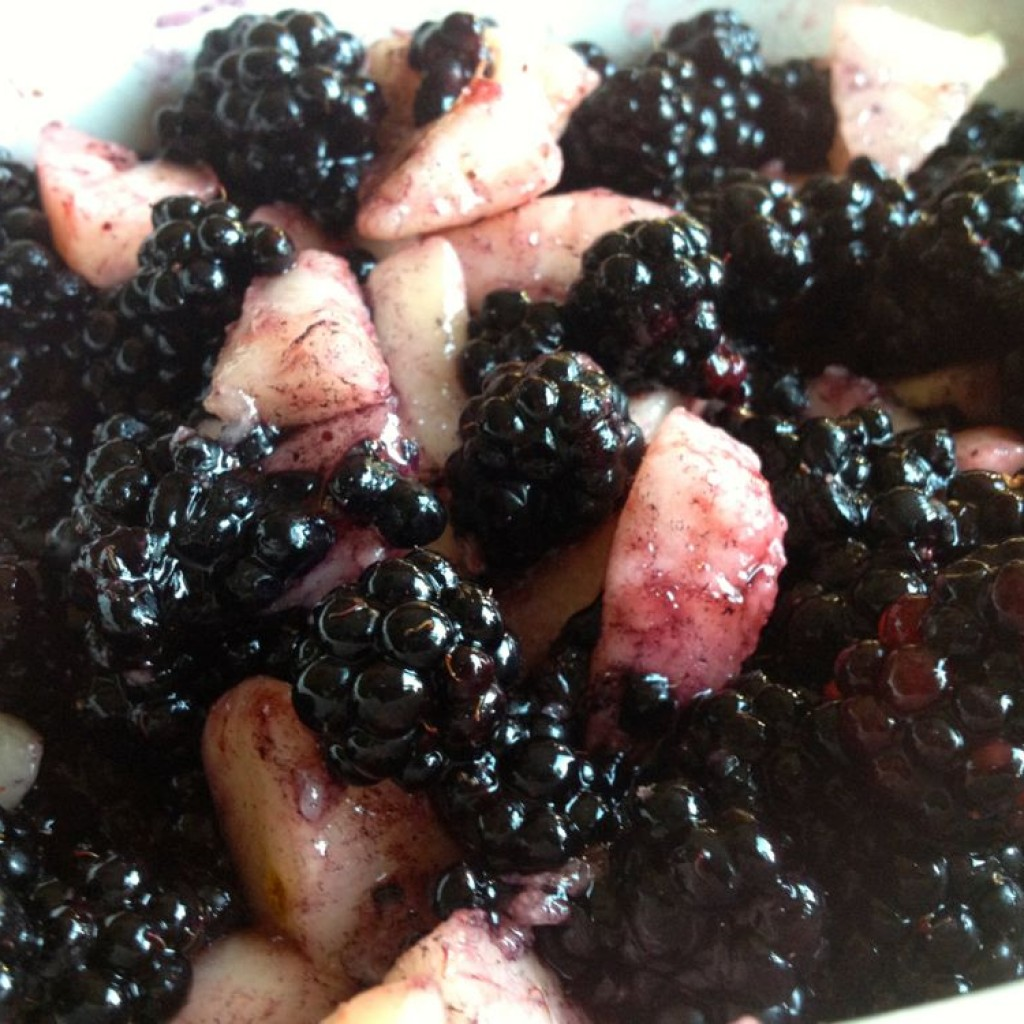 Mix blackberries and pears