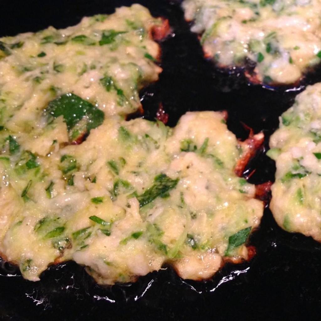 frying zucchini fritters