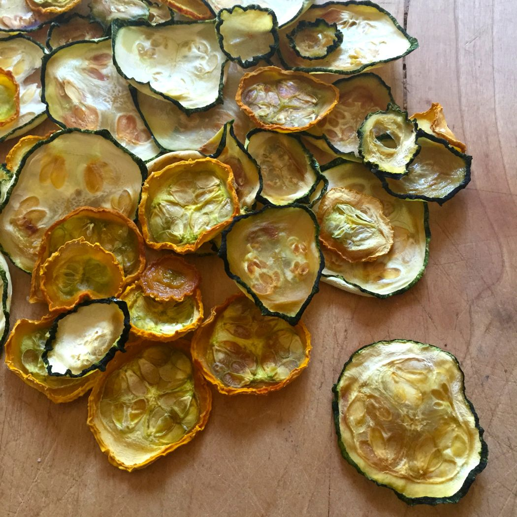 zucchini chips pile
